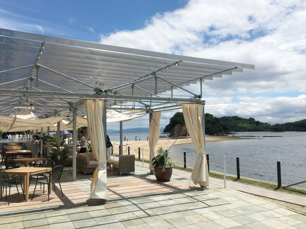 Shodoshima International Hotel, Beachside cafe